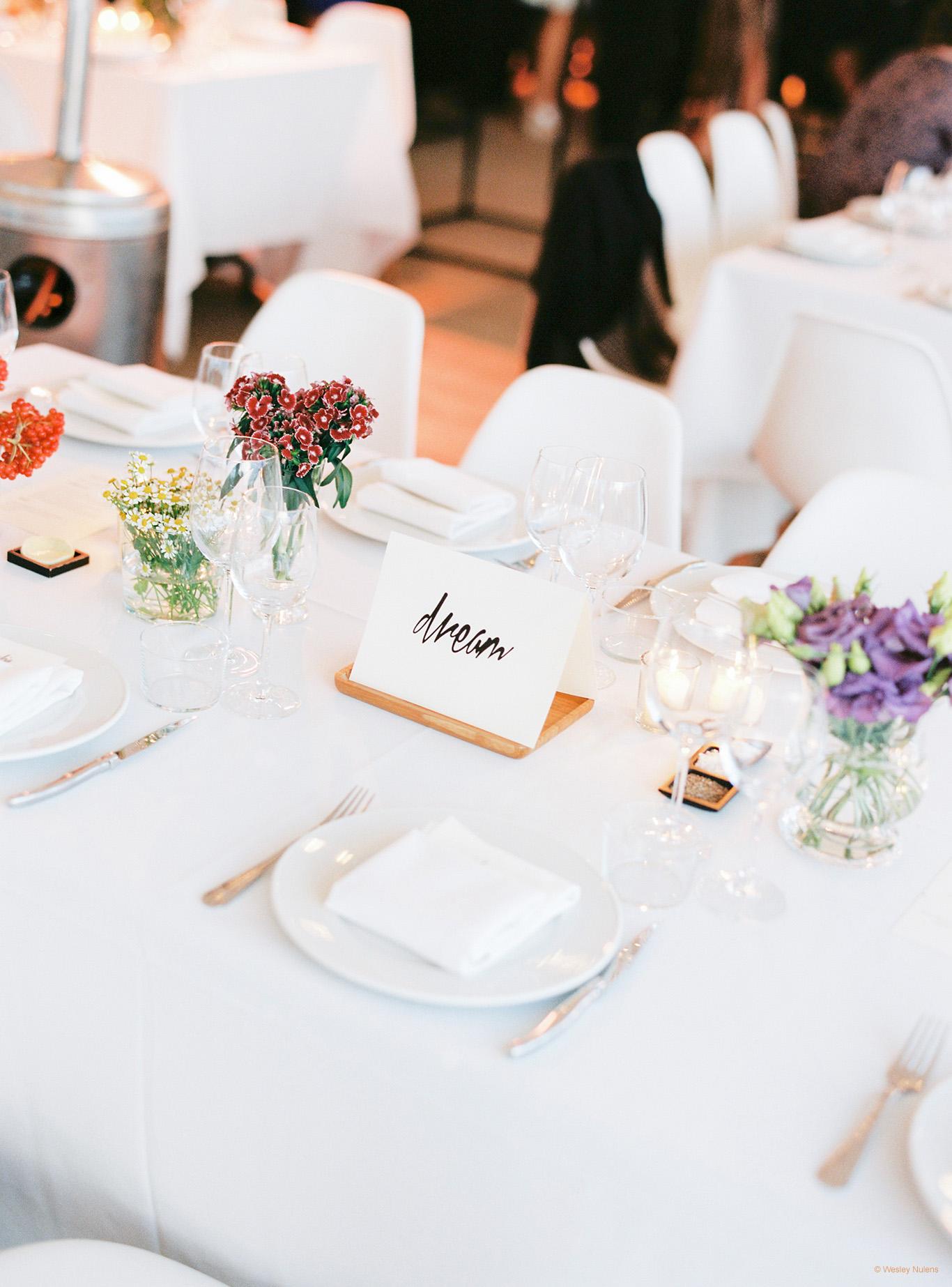 Studio marie fleur omringd door bloemen for Tafeldecoratie huwelijk